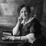 Nellie McClung. ca. 1905-1922 / Gladstone, Manitoba. Source: National Archives of Canada. PA-030212