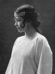 Harriet Bosse as Agnes