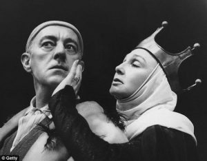 Sir Alec Guinness as King Berenger I and Googie Withers as Queen Margherite (Exit the King, Royal Court Theatre, 1963)