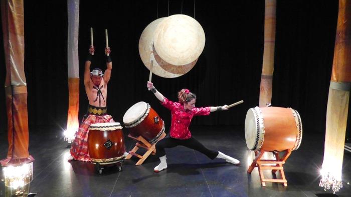 Twilla MacLeod performing as Booming Tree.
